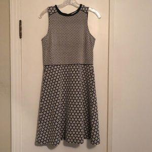 Ann Taylor Loft black and white knit size 2